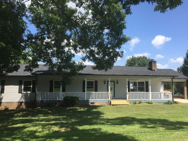 82 39th St NW, Hickory, NC 28601