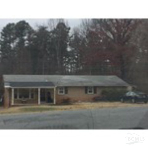 216 Woodburn Dr, Forest City, NC 28043