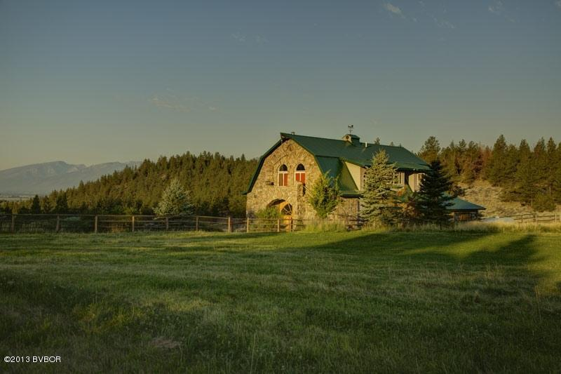 680 Home Stretch Dr, Stevensville, MT 59870