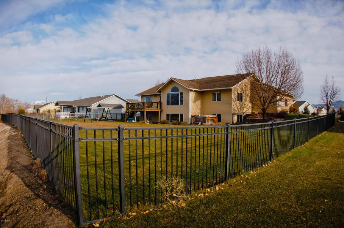 207 Carriage Rd, Hamilton, MT 59840