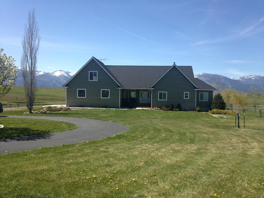 667 Lone Willow Dr, Corvallis, MT 59828