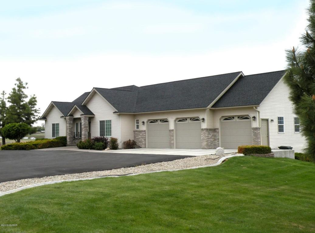 668 Lone Willow Dr, Corvallis, MT 59828