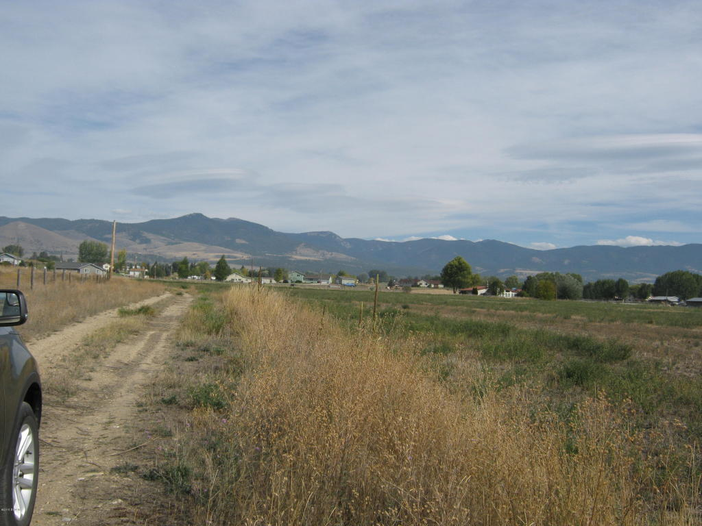 340 Country Side Ln, Corvallis, MT 59828