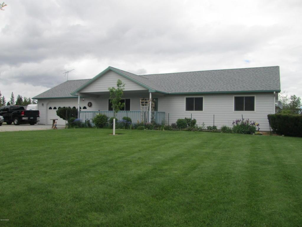 121 Meadow Ln, Victor, MT 59875