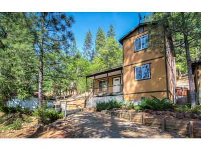 4.96 acres Weaverville, CA