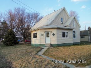 201 E Railroad St, Mechanicsburg, IL 62545