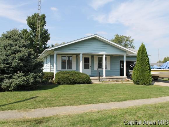 301 Jackson St, Morrisonville, IL 62546