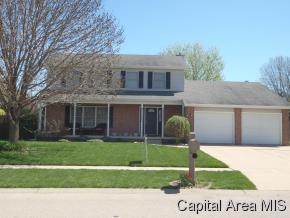 204 Manor Hill Dr, Chatham, IL 62629