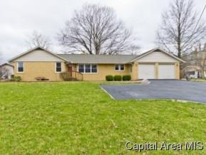 Real Estate for Sale, ListingId: 32587119, Girard,IL62640