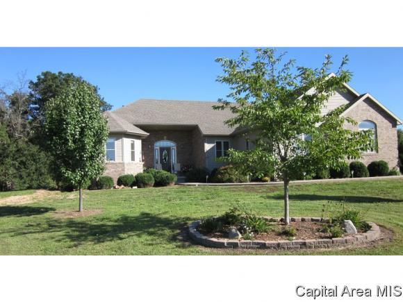 Real Estate for Sale, ListingId: 32666110, Waverly,IL62692