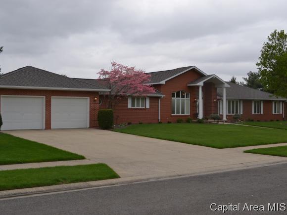 Real Estate for Sale, ListingId: 32942933, Jacksonville,IL62650