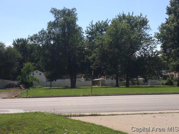 719 N Webster Taylorville, IL 62568