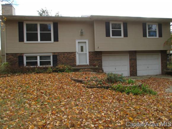 828 Evergreen dr, Chatham, IL 62629