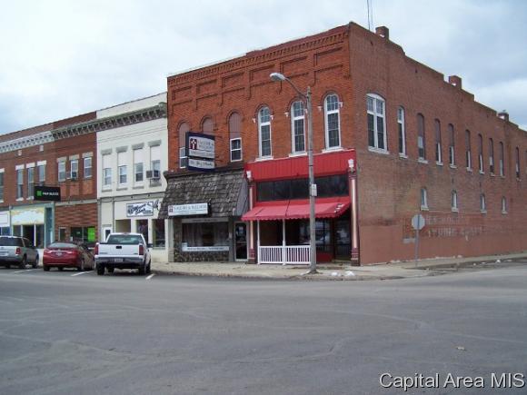 183 E Jackson St, Virden, IL 62690