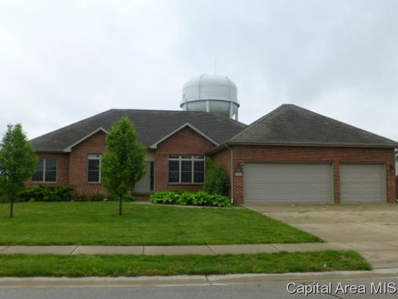 912 Deerfield Rd, Chatham, IL 62629