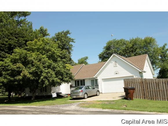 453 S 6th St, Auburn, IL 62615