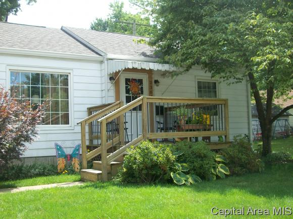 Photo of 2304  QUEENSWAY RD  Springfield  IL