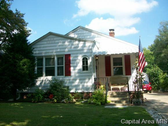 Photo of 2532 S 8TH ST  Springfield  IL
