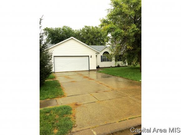 225 Linden Ln, Williamsville, IL 62693