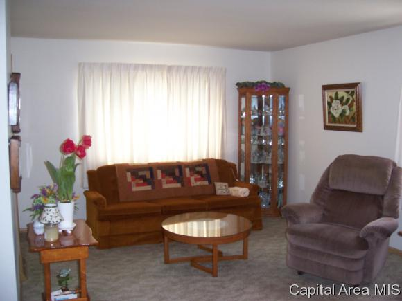 Bungalow,1 Story, Residential,Single Family Residence - Auburn, IL (photo 2)
