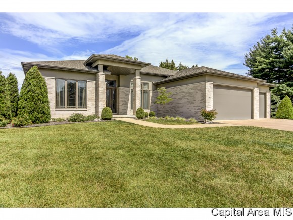 324 Cumberland Dr, Rochester, IL 62563