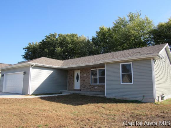 112 Hillcrest Dr, Mechanicsburg, IL 62545