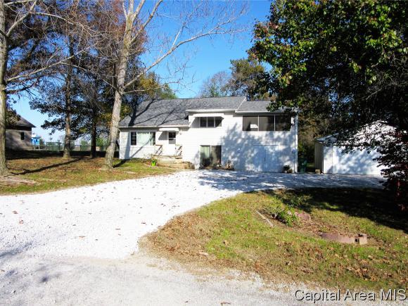 Tri-Level, Residential,Single Family Residence - Auburn, IL (photo 1)