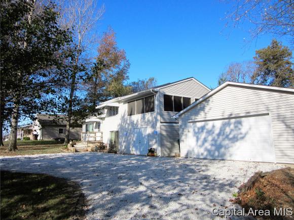 Tri-Level, Residential,Single Family Residence - Auburn, IL (photo 4)