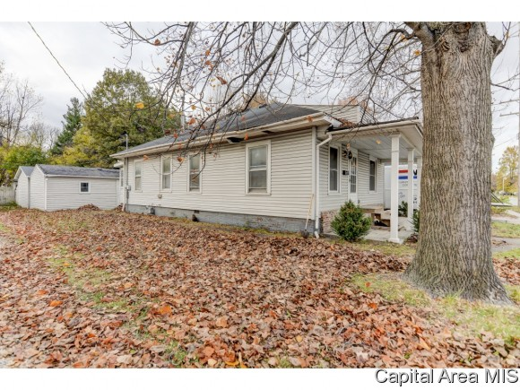 Photo of 425 N CHENEY ST  Taylorville  IL