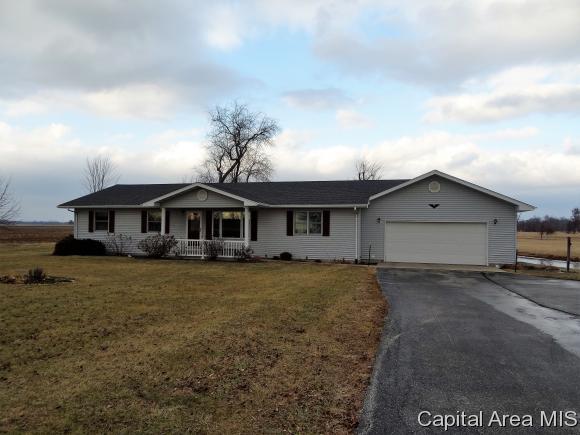 1646 Prospect Rd, Murrayville, IL 62668