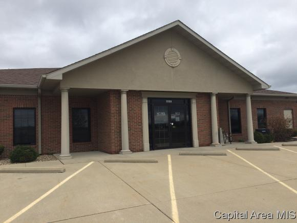 http://photos.listhub.net/CAARIL/171755/1?lm=20170405T152327