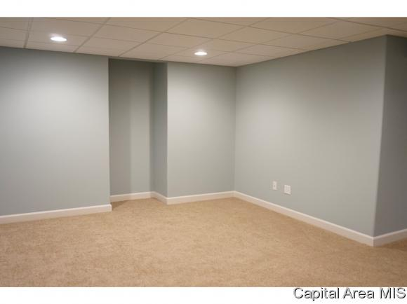 http://photos.listhub.net/CAARIL/175315/2?lm=20170805T184013