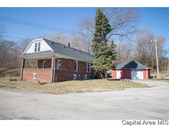 1123 E Clary St Petersburg, IL 62675