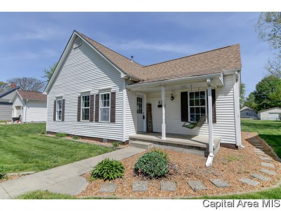 216 W Caldwell St Auburn, IL 62615