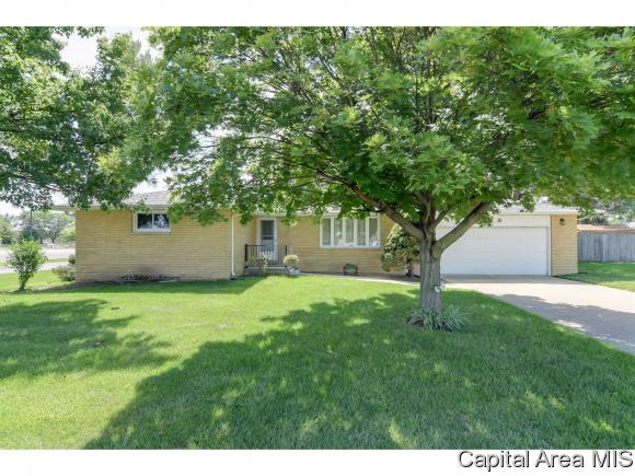 409 N Springfield Rd Athens, IL 62613