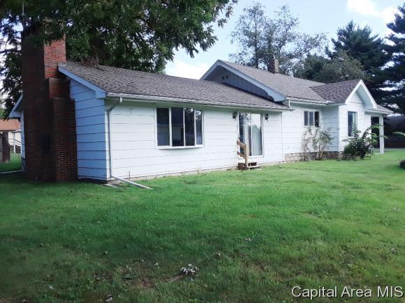 704 N Johnson Street Carlinville, IL 62626