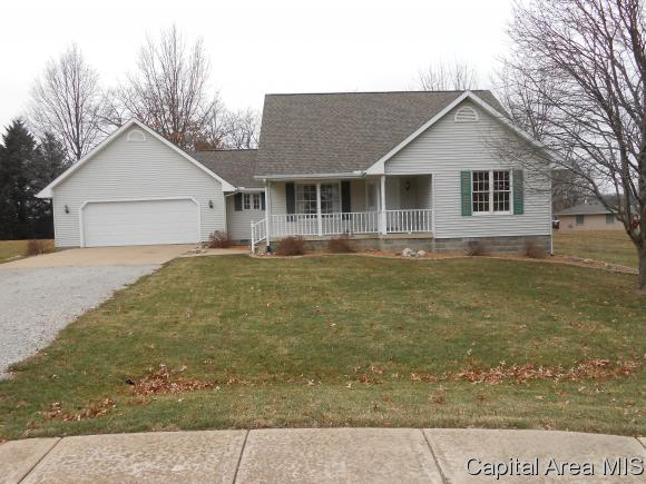 3 Andreasen Dr Petersburg, IL 62675