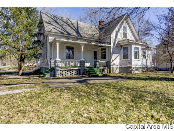 primary photo for 201 S Maple St, Pana, IL 62557, US