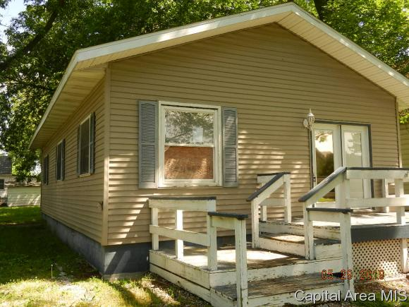 primary photo for 209 W BROWN AVE, Stonington, IL 62567, US