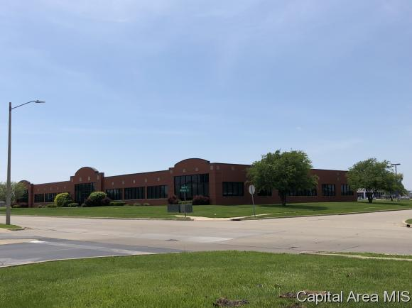 primary photo for 3201 S ROBBINS RD, Springfield, IL 62704, US