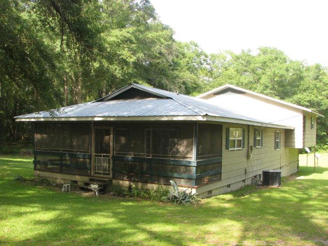 4266 Oak Grove Rd, Sneads, FL 32460