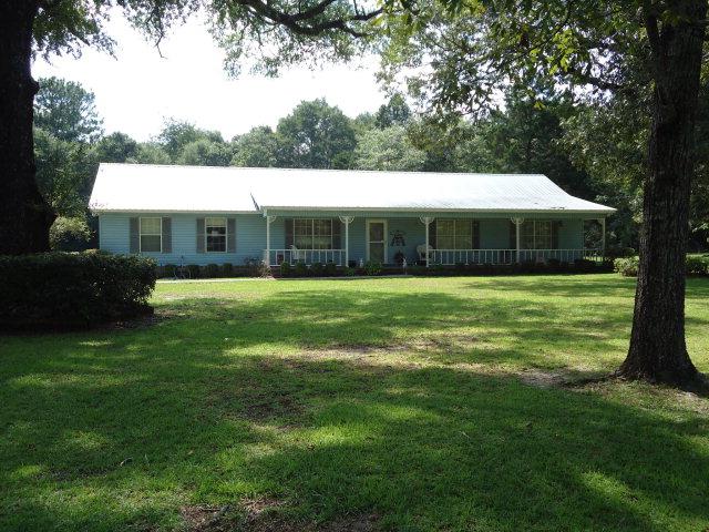 1592 Clark Ln, Chipley, FL 32428