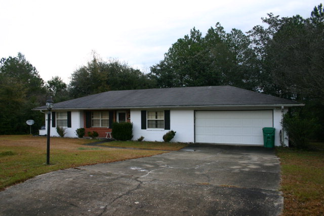 4045 Linwood Dr, Chipley, FL 32428