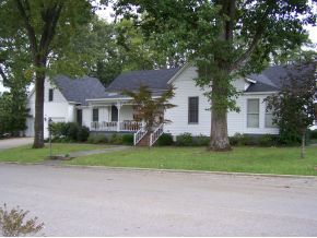 112 8th Ave SE, Cullman, AL 35055
