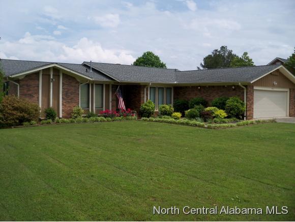1418 Greenwood Dr NE, Cullman, AL 35055