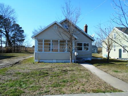 74 Maryland Ave, Crisfield, MD 21817