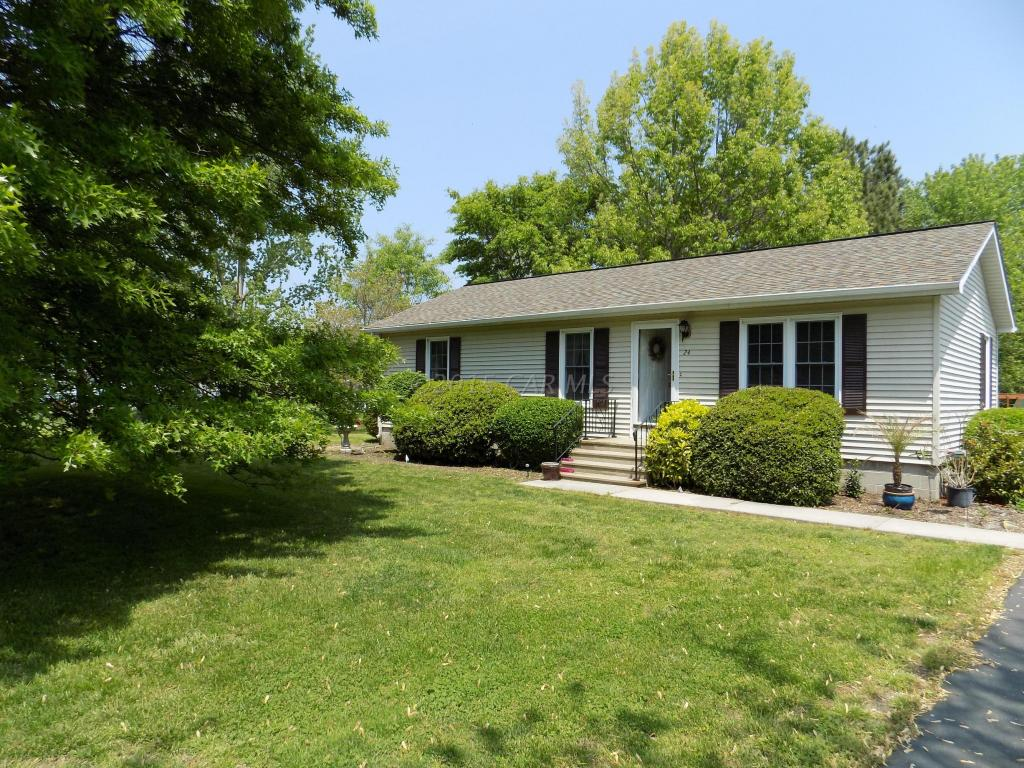 24 Anchor Dr, Crisfield, MD 21817