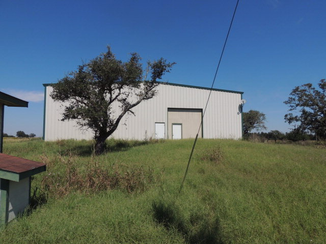 Real Estate for Sale, ListingId: 36673182, Hallettsville, TX  77964