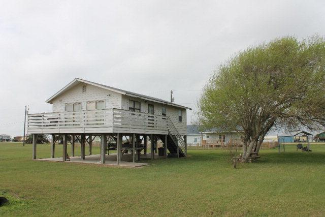 Photo of 654 Calumet  Palacios  TX