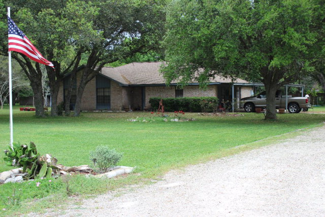 Photo of 51 County Road 131  Edna  TX